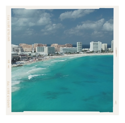 What is Cancun known for? Cancun`s postcard-perfect beaches with warm white powdery sand and turquoise crystal clear waters have made it one of the world`s favourite tropical destinations