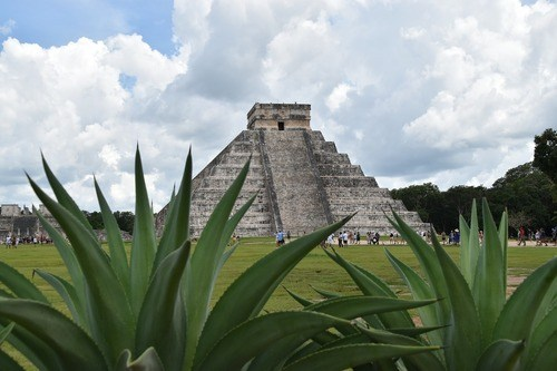 things to do in Cancun, Mexico: Exploring the ancient Chichen Itza is one of the best things to do in Cancun because it is one of the best-preserved Mayan archaeological sites in the world. Therefore, if you only have a time of one sightseeing excursion, make sure it is Chichen Itza.