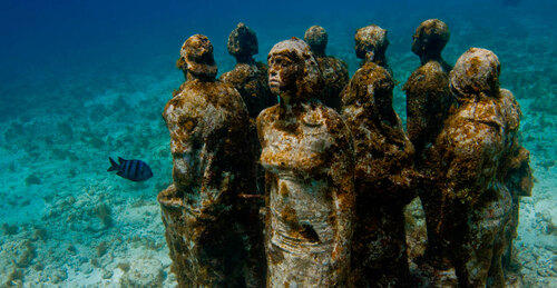 things to do in Cancun: Snorkelling in the MUSA underwater museum is one of the best unique things to do in Cancun because this man-made reef encourages coral reef development. This innovative project created to prevent the effects of climate change already has three different galleries.