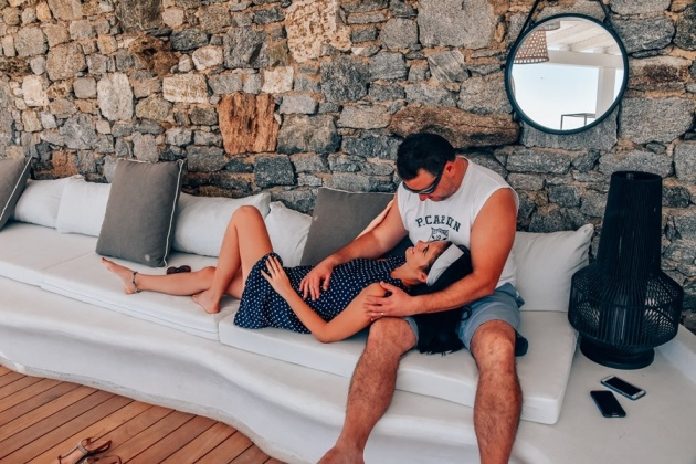 OSOM Resort Mykonos lounge