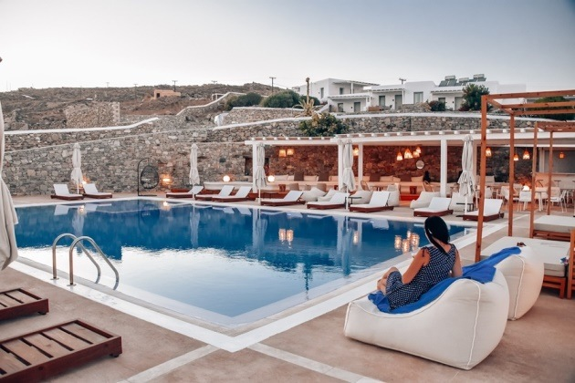 hotel review elegant OSOM Resort in Ornos, Mykonos