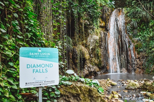 best things to do in Saint Lucia:  Visit Diamond Botanical Gardens, one of the most beautiful natural wonders in St Lucia. The Spectacular Diamond waterfall is a must-see natural attraction when in St Lucia. Approximately 17 meters high, Diamond waterfall, is a mixture of rainwater and volcanism fed by the mineral-rich Sulphur Springs.