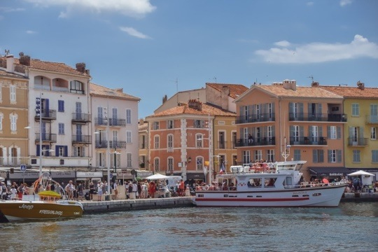A visit to Vieux Port is one of the best things to do in Saint Tropez, because it`s an excellent place for celebrity spotting and soaking up the sunshine. Vieux Port is also a great place for refreshment.