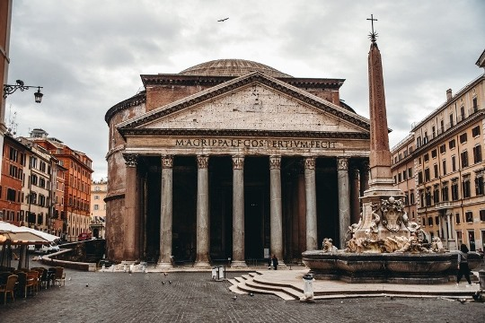 things to do in Rome Italy: the Pantheon is one of the best things to see in Rome because it is one of the best-preserved buildings in Ancient Rome.