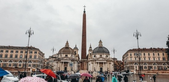things to do in Rome Italy: a visit to Piazza del Popolo is one of the best things to do in Rome Italy because you can find many incredible sights here. This oval-shaped square with the almost identical baroque churches,  various fountains, and one of the tallest Egyptian obelisks in Rome, is one of the largest squares in the city.