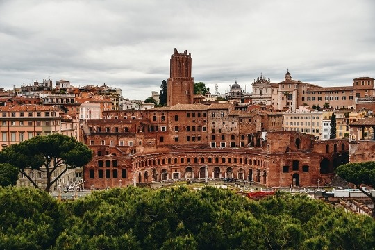 things to do in Rome Italy: the Trajan`s Forum in Rome is one of the best things to see in Rome because this is the last Imperial forum constructed in ancient Rome.