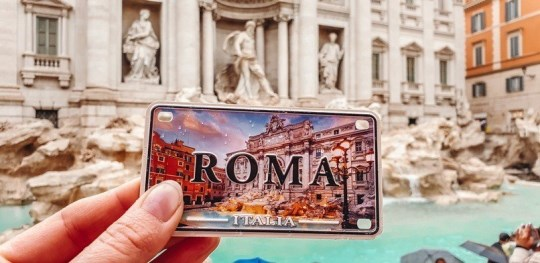 Free things to do in Rome: The 2000 old Pantheon, St Peter`s basilica, the Spanish Steps and the Trevi fountain are just some of them.