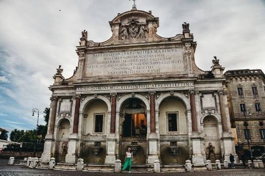 unique things to do in Rome Italy: a visit to Fontana dell` Acqua Paola is one of unique attractions in Rome because it is the hidden gem of Rome. This beautiful 400-year-old fountain is situated at the top of the Janiculum Hill. The fountain also offers stunning views of Rome.