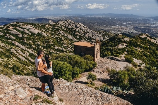Sant Joan Chapel is one of the best hikes in Montserrat in Spain because it offers incredible views of Catalonia. It is a beautiful walk where you can see the local countryside. Hike to Sant Joan Chapel takes about 1 hour and 15 minutes.