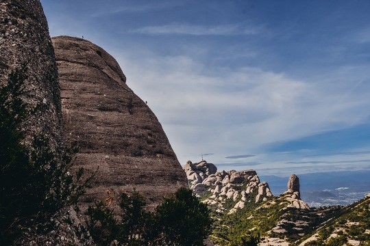 Climbing is one of the best things to do in Montserrat Spain because Montserrat Mountain in Catalonia is one of the most famous climbing spots in Spain. The steep peaks are a spectacular place to climb, although only for those with a lack of fear.