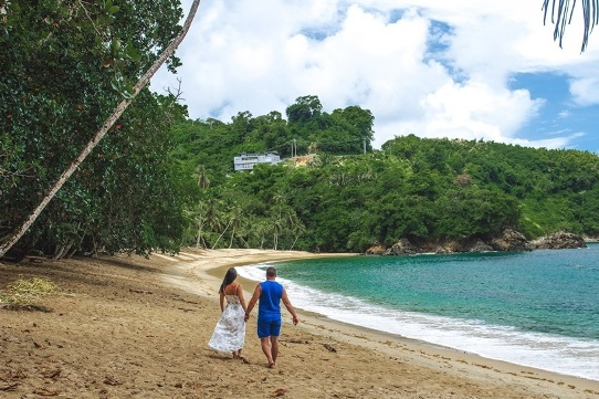 Englilshman`s bay in Tobago- one of the top things to see in Tobago. Despite its lack of popularity, Englishman`s bay is one of the most picturesque beaches in Tobago. A secluded beach on the northern coast of the island is easily accessible from the south of the island.