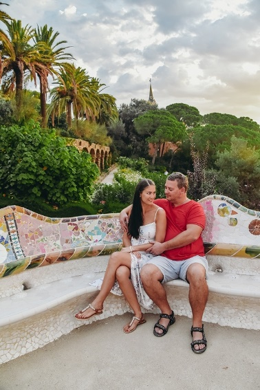 Gaudi buildings in Barcelona - Park Guell: mosaic genius of Barcelona created one of the most beautiful parks in the world.