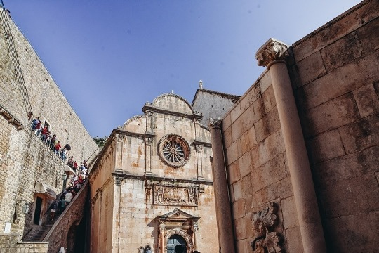 things to do in Dubrovnik, Croatia: A visit to Church of Holy Savior is one of the best things to do in Dubrovnik because this small church saw Durbrovnik`s great earthquake. Moreover, the church withstood the horrifying disaster. The church dedicated to Jesus Christ has been preserved in its original form.