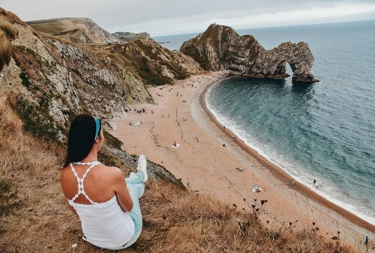 Durdle Door is probably the most famous stone arch in the world. It`s clear why it` s one of the most epic things to see in Dorset.