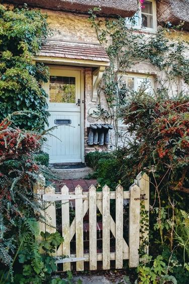 charming English countryside houses