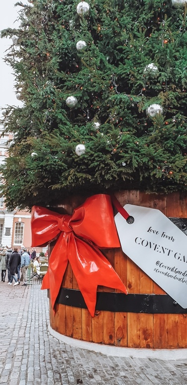 Christmas in London 2020: Covent Garden tree