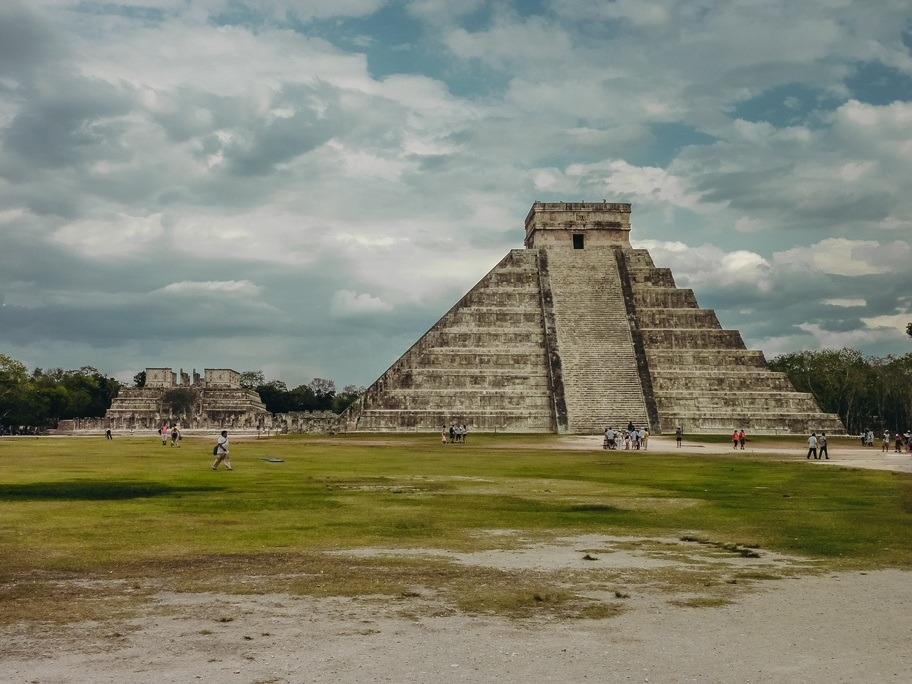 Chichen Itza Mexico is one of the most impressive Maya ruins of Central America. This spectacular sity was once home to a knowledgeable ancient civilisation.