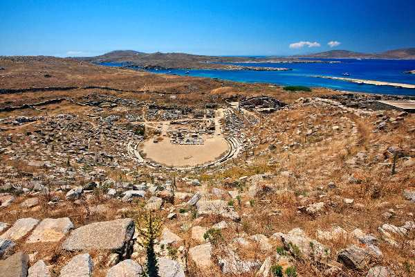 A day trip to Delos island, Greece is an excellent thing to see when on the island. This ancient island is an important historical site in Greece.