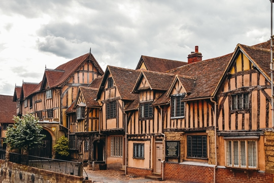 things to do in Warwick: Lord Leycester Hospital, well-preserved complex of half-timbered medieval building, is a perfect example of British architecture from the 14the century. You can find this popular attraction in Warwick in the heart of Old Town.