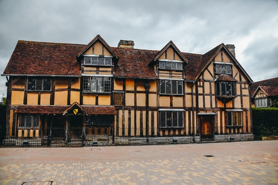 things to do in Stratford-upon-Avon: A visit to Shakespeare's Birthplace is one of the best things to do in Stratford-upon-Avon, because you can learn more about Shakespeare's family background. Therefore, it should be on your itinerary.
