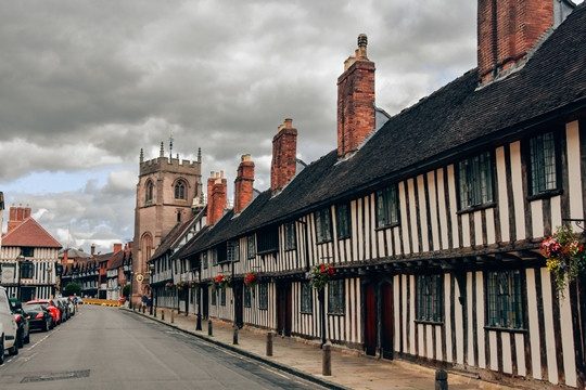 things to do in Stratford-upon-Avon: If you would like to learn more about the life of Shakespeare visit the Schoolroom and Guildhall. It is a unique attraction in Stratford-upon-Avon which offers visitors an engaging experience.