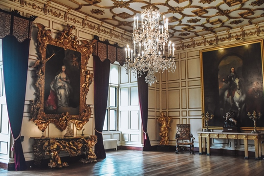 Warwick Castle inside room