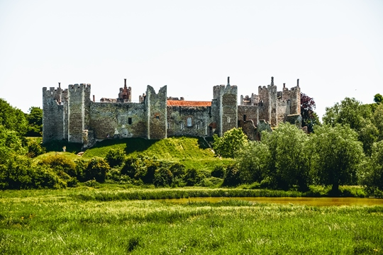 Best Castles in England: Framlingham Castle is one of the best castles in England because it has a colourful past. This Tudor castle was the setting for a crucial moment in English History. Mary Tudor was pronounced Queen of England within Framlingham Castle's walls. Therefore, Framlingham Castle is one of the best castles in England.