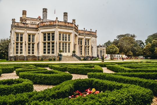 Famous castles in England: Highcliffe Castle is arguably one of the best castles in England because this magnificent home has beautiful romantic architecture, lovely gardens. It lies just a short distance from a beautiful beach in Dorset.