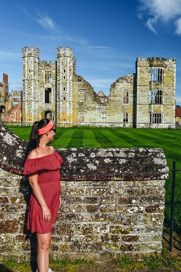 famous castles in England: This fortified manor house is one of the famous castles in England because it dates back hundreds of years. You probably do not know it, but King Henry VIII and Queen Elizabeth I visited Cowdray Castle many years ago.