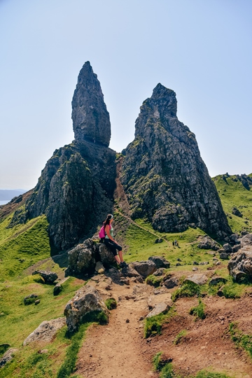 Old Man of Storr walk: The Old Man of Storr walk is one of the best walks on the island. The walk from the car park to the Old Man of Storr is not a difficult hike, but it can be strenuous when raining and foggy. The well-marked hiking trail gets rougher and steeper as you come closer to rocks.