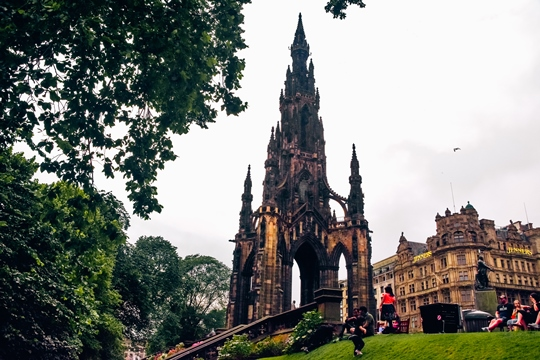places to visit in Edinburgh: The Scott Monument is one of the best attractions in Edinburgh because it is the largest monument to a writer in the world. You can climb up to the top to see excellent views of the city. Therefore, the Scott Monument is one of the top places to visit in Edinburgh.