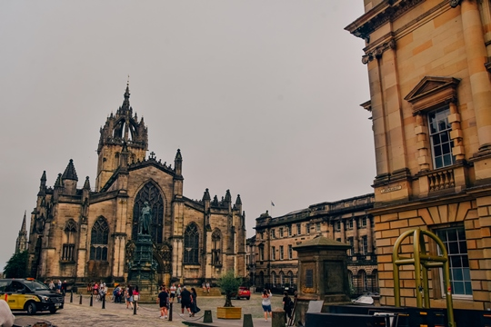 places to visit in Edinburgh: St Giles's Cathedral is one of the popular places to visit in Edinburgh because this iconic cathedral is one of the famous attractions in Edinburgh. The church has an unusual layout, beautiful architecture and its rooftop tour offer excellent views of the city.