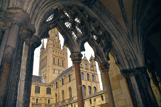 things to do in Norwich: Exploring Norwich Cathedral is one of the best things to do in Norwich because it is one of the most beautiful cathedrals in England. Also, this iconic cathedral is one of the best examples of Romanesque architecture in Europe.